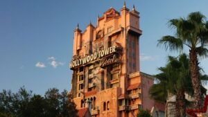 """Read more about the article Scarlett Johansson prepares """"Tower of Terror"""", the next Disney film"""