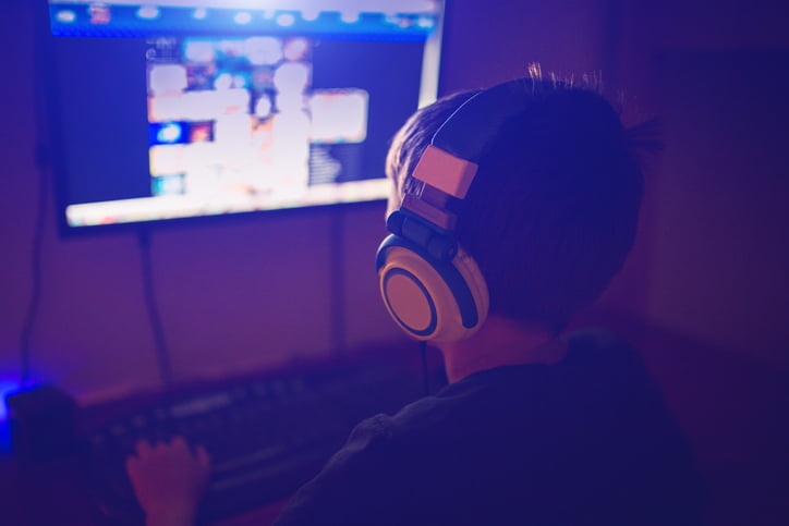 China Advances in Banning Video Games And Limits Them To Three Hours A Week